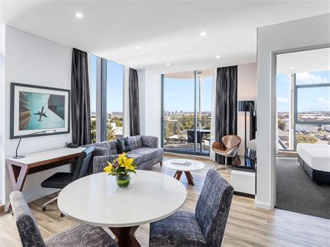 meriton serviced appartments 5 reasons to stay at meriton serviced apartments sydney