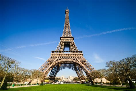 home of the eifell tower eiffel tower is one of the seven wonders visit all over