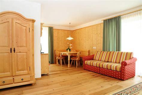 dobbiaco appartamenti camere appartamenti a dobbiaco hotel laurin