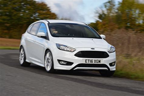 ford car line ford focus st line 2016 review pictures auto express