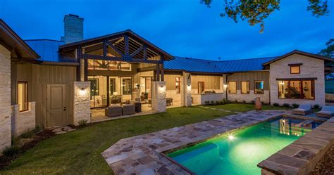 modern prairie style house copy sendero homes