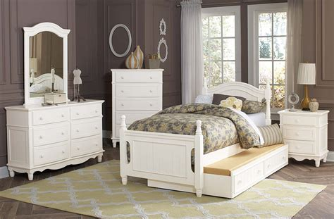 Bedroom Sets For Less by Homelegance Clementine Bedroom Set White B1799 Bedroom