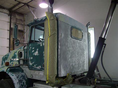 Lkw Lackieren Preis by Semi Truck Repair Wenatchee Semi Truck Painting