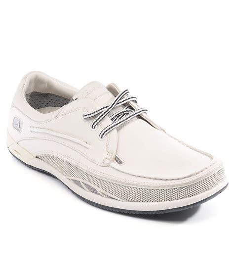 white casual sneakers clarks white casual shoes price in india buy clarks white