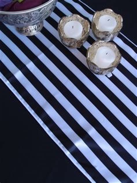 a new theme delorean dark stripped released for ubuntu black white wedding on pinterest silk flowers