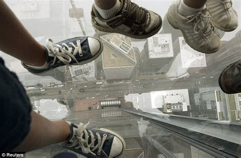 Glass Floor Building Chicago by Highest Glass Floor In The World