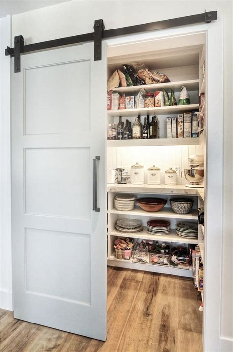 Door Kitchen Pantry by 25 Best Ideas About Pantry Doors On Kitchen