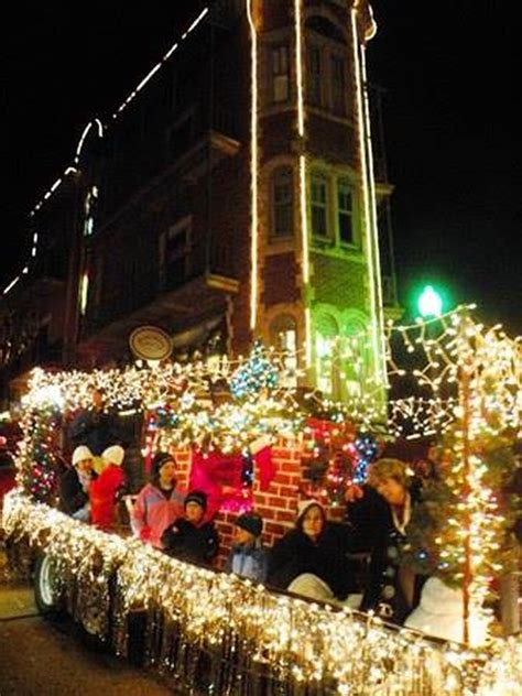 top  christmas towns  arkansas