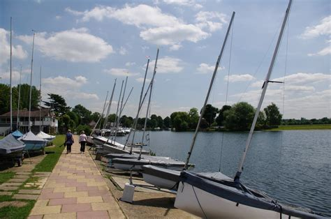 river thames upper course thames path national trail stage 8