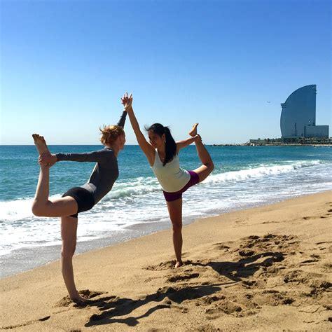 Imagenes Yoga En La Playa | beneficios de hacer yoga en la playa gu 237 a veracruz