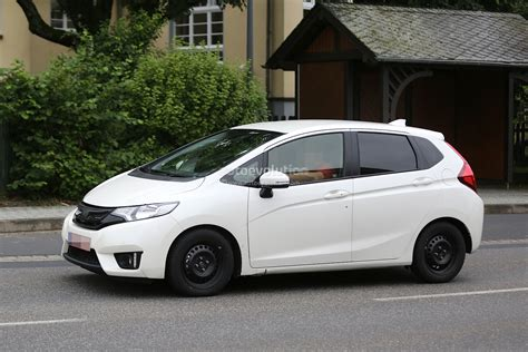 New Boot Zr35 Putih spyshots all new 2015 honda jazz testing in europe for the time autoevolution