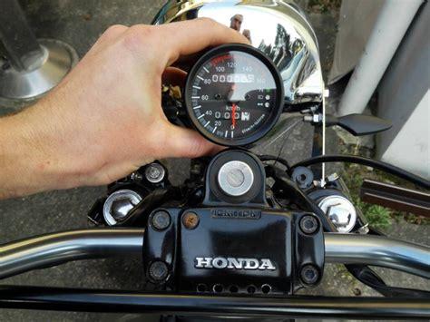 Motorrad Hupe Umbauen tachohalter anfertigen und hupe versetzen caferacer forum de