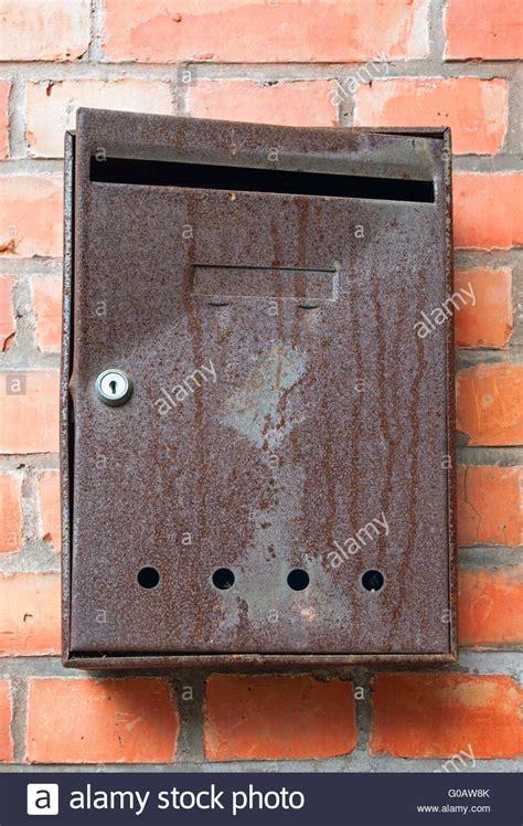 briefkasten bilder postkasten stockfotos postkasten bilder alamy