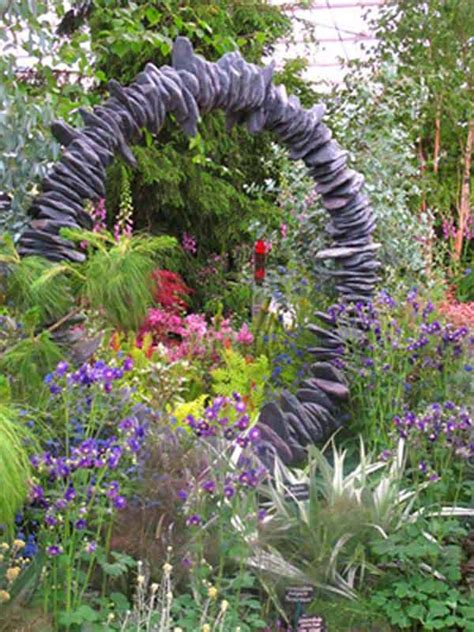 Artistic Gardens by 21 Lovely Diy Ideas To Spice Up Garden With Pebbles