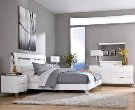 Gray Color Schemes For Bedrooms Grey Wall Color Scheme And White Bedding Sets In Modern