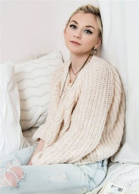 emily kinney real age 25 best ideas about emily kinney on pinterest daryl