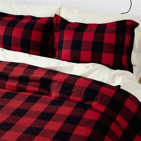 red and black plaid comforter 1000 ideas about plaid bedroom on pinterest rugs for