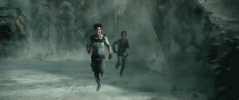 watch film maze runner 2 maze runner movie trailer gifs dylan o brien pictures