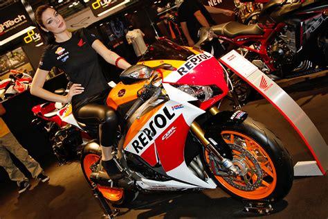 Motorrad Honda Treffen by Honda Auf Der Eicma 2015 Treffen Touren Messen Urlaub