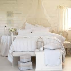 textured white bedroom country decorating ideas