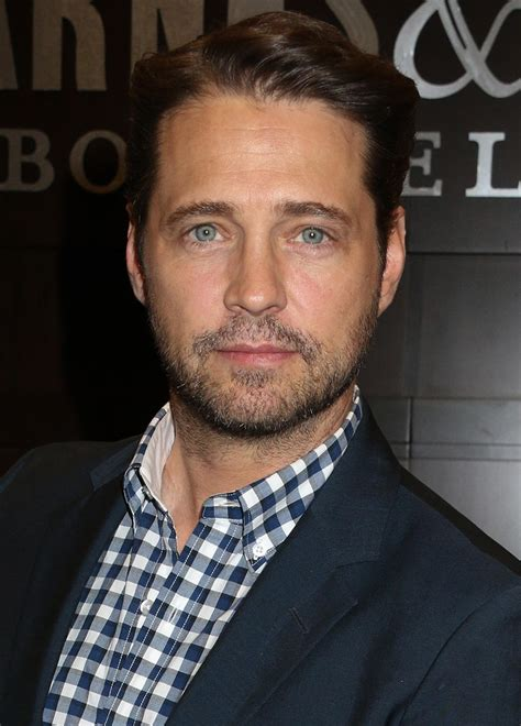 jason priestley jason priestley quot it s nobody s business quot whether i hooked