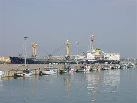 porto di corigliano panoramio photo of flotta pescherecci porto di
