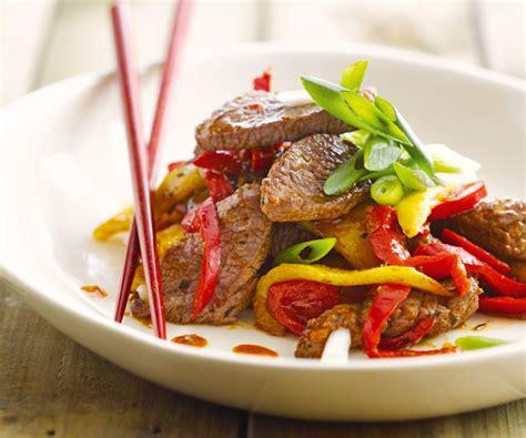 cuisiner au wok 駘ectrique wok de bœuf 224 la mangue recette de cyril lignac