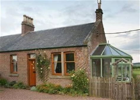 hassendean station cottage ref 4367 in nr hawick