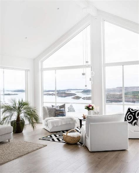 white interior homes 25 best ideas about minimalist home interior on pinterest