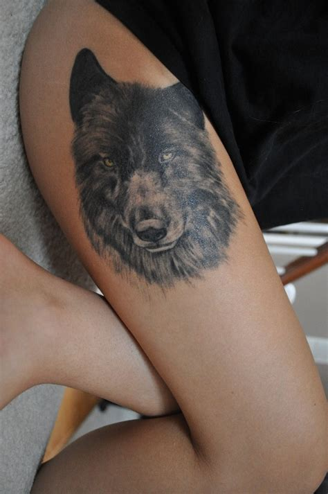 wolf thigh tattoo realistic wolf on thigh