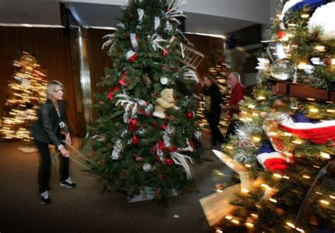 christmas tree exhibit set to open at reagan library