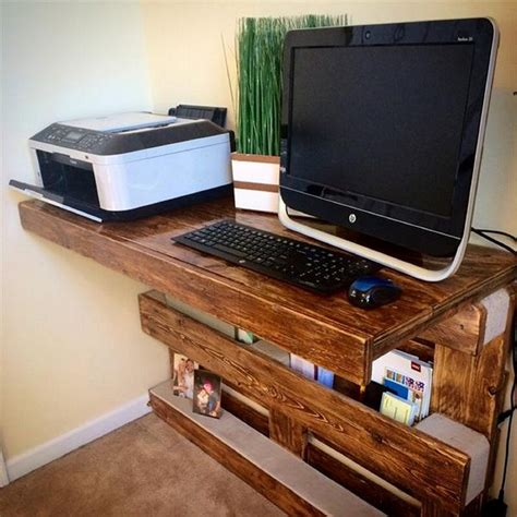 Computer Desk Diy Pallet Computer Desks Pallet Wood Projects