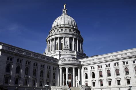 Records Wisconsin Wisconsin Republicans Propose Limiting Access To Records Chicago Tribune