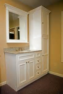 small cabinets for bathrooms 25 best ideas about bathroom vanities on