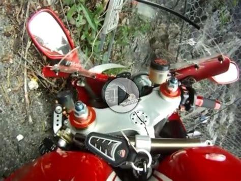 Motorrad Unfall Ktm by Motorrad Crash Fahrradfahrer Im Gegenverkehr Keine Chance