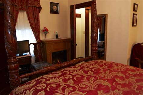 burgundy and gold bedroom burgundy and gold bedroom
