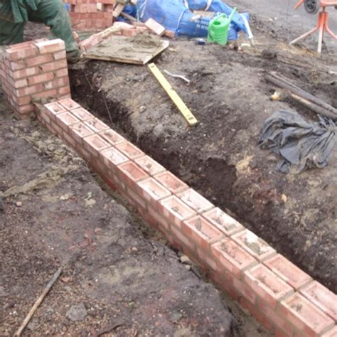 Garden Wall Foundations Bih Rhs Level 3 Certificate In The Principles Of Garden