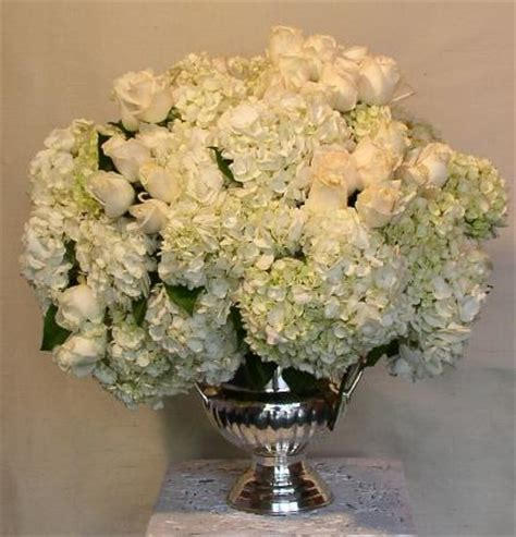 roses and hydrangeas centerpieces centerpieces wedding centerpieces wedding flowers perla farms