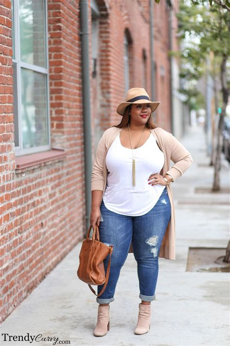 summer for obese people weekend casual woman fashion and clothes