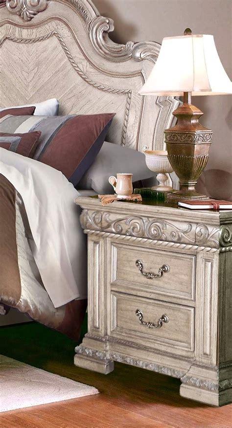 4 pc bedroom set valentine antique style 4 pc king bedroom set in antique