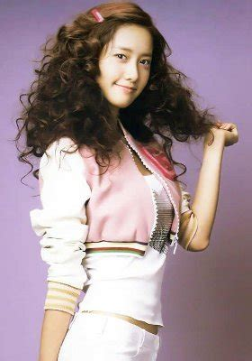Model Rambut Yoona by Santika Mumuhug 5 Gaya Rambut Yoona Snsd