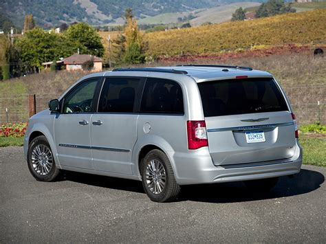 Town And Country Chrysler by 2016 Chrysler Town And Country Price Photos Reviews