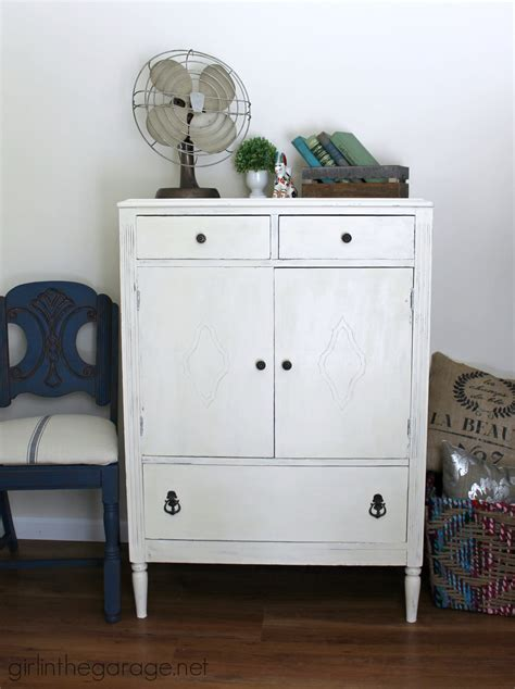 White Chalk Paint Dresser by Antique Dresser In White Chalk Paint In The Garage 174