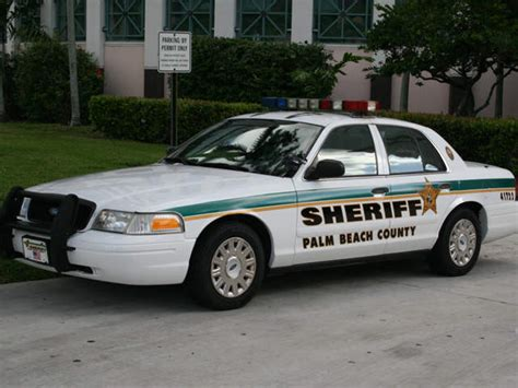 Palm County Sheriff Office by Complaints At Polling Location Makes Voters Uneasy Wptv