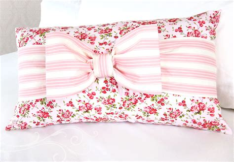Bow Pillow Pattern by Soft Sweet Banded Bow Pillow Sew4home