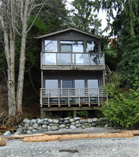 Otter Cabin House by Quadra Island Waterfron Accommodation And B And B
