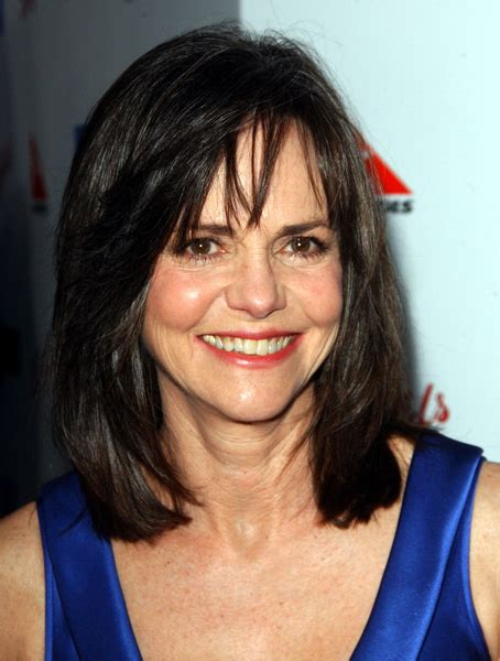 sally field height   how tall
