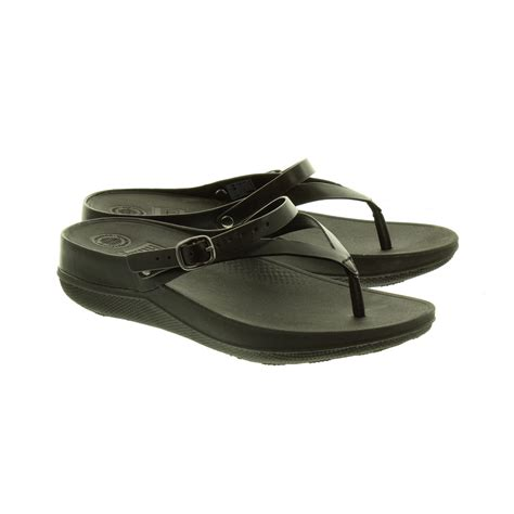 fitflop black sandals fitflop flip leather sandals in black in black