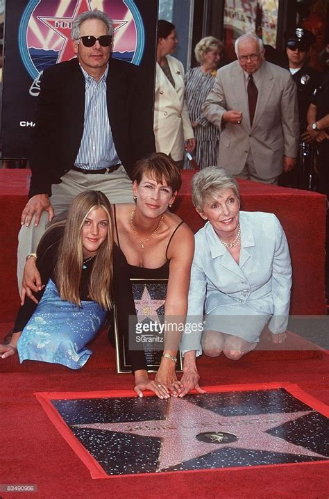 christopher guest spouse jamie lee curtis honored with a star on the hollywood walk