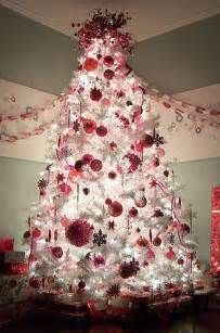 red white and silver christmas tree ideas